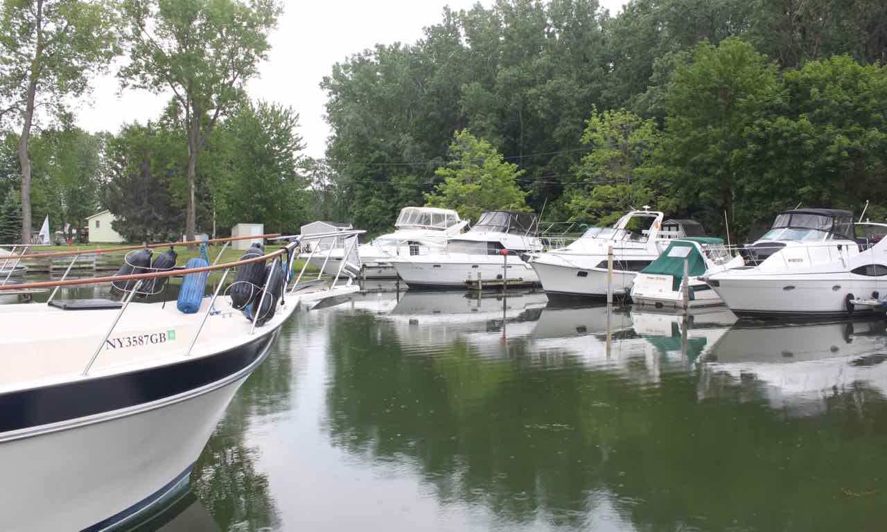 Facilities at Inland Harbor Marina